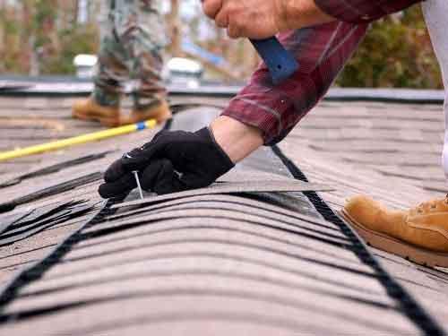 На Волині суд змусив підприємство безкоштовно відремонтувати дах школи