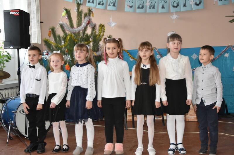Мешканців Прилуцького привітали із Днем Святого Миколая