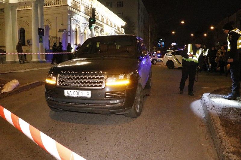 У Києві обстріляли автомобіль депутата, якого підозрюють у фінансуванні тероризму