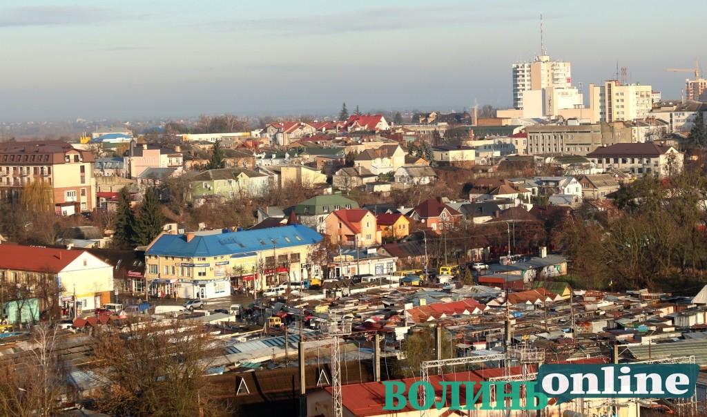 Виконком не продовжив дозвіл на розміщення кіоску біля «Центрального ринку» у Луцьку