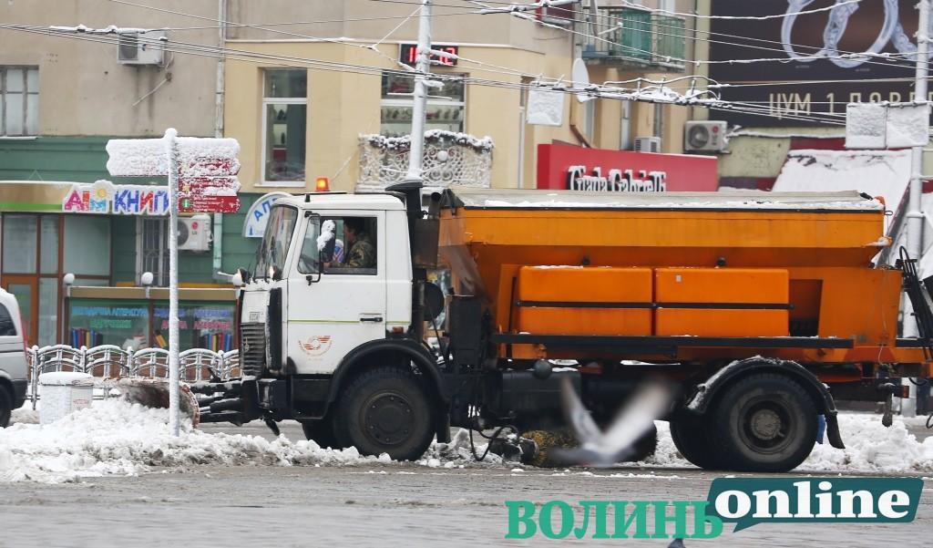 Скільки у Луцьку витратили на прибирання снігу протягом року