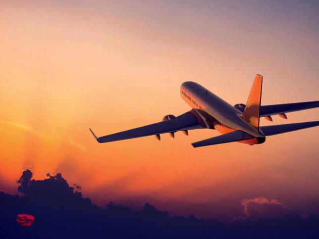 Через смертельний китайський вірус літаки з Китаю зустрічатимуть санітари МОЗ