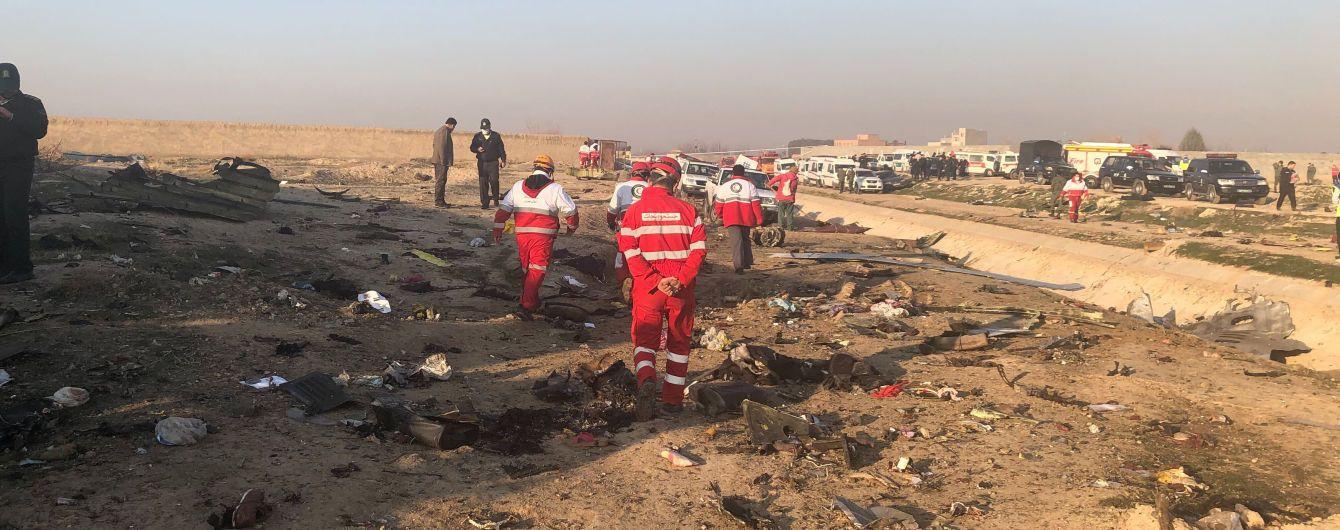 Під Тегераном впав український літак