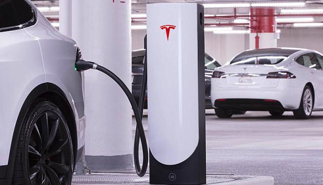 Зарядні станції «Tesla» скоро з'являться в Україні