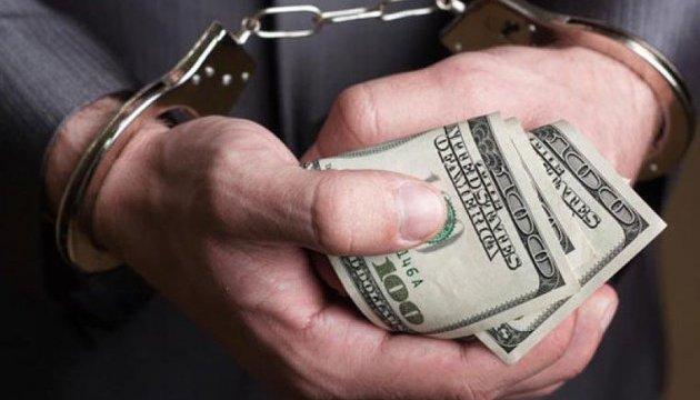 За спробу дати хабара поліцейському волинянину загрожує чотири роки ув'язнення