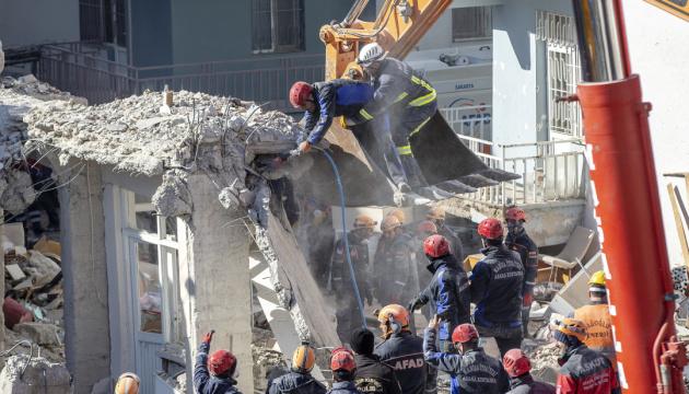Землетрус у Туреччині: кількість жертв зросла до 41