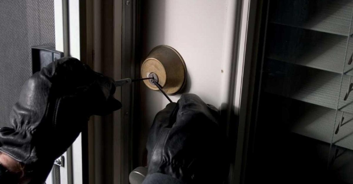 На Волині зловмисник пограбував квартиру