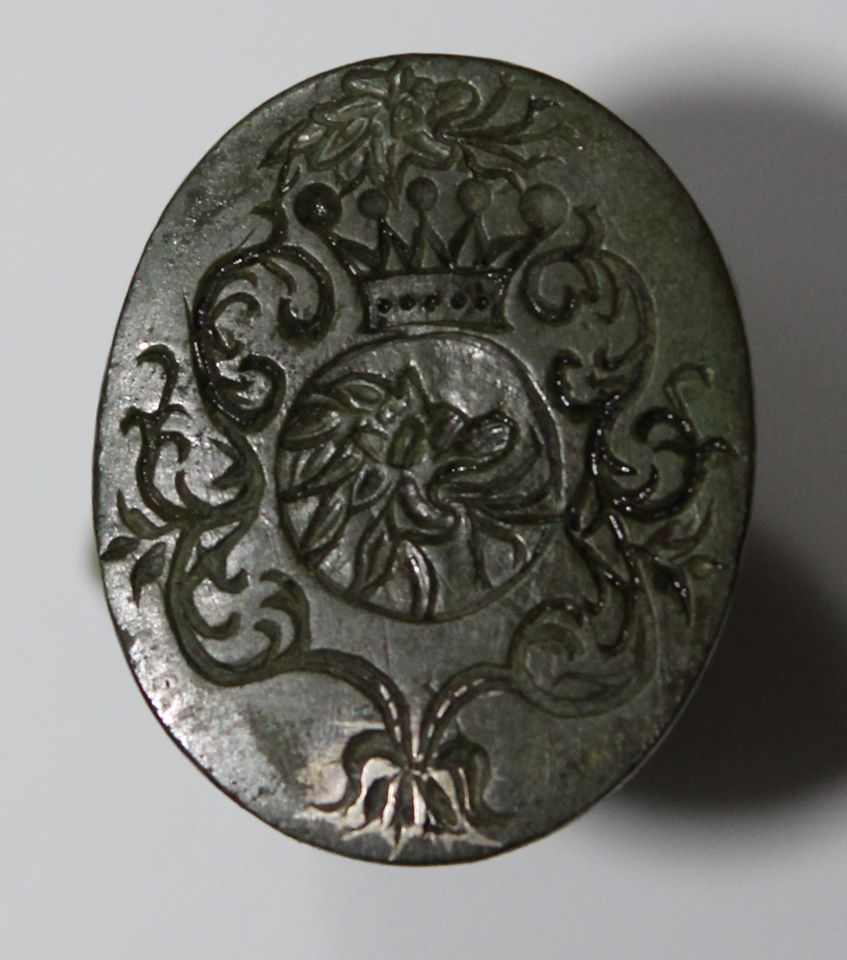 Музею на Волині подарували рідкісну печатку