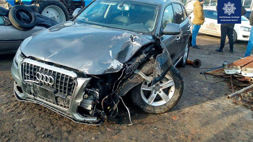 За одну добу у Луцьку троє водіїв розбили свої автомобілі