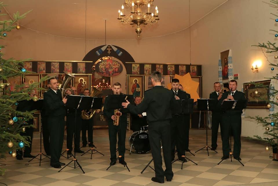 «Відгомін Різдва»: у Луцьку колядували нацгвардійці