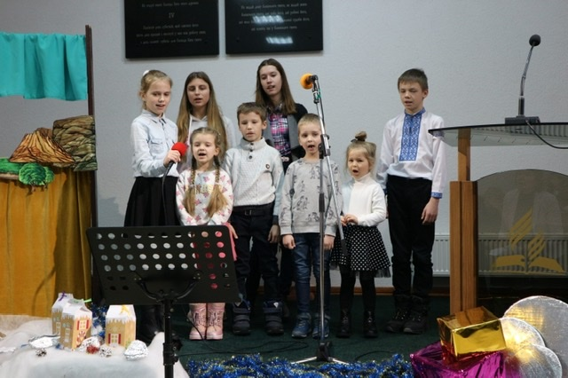 На Волині дітям з сімей зі складними життєвими обставинами подарували свято