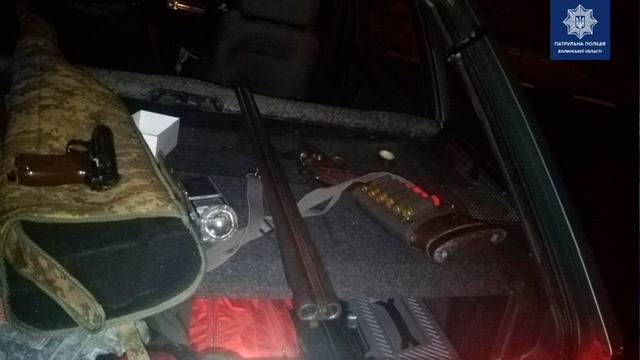 У Луцьку спіймали водія зі зброєю в автомобілі
