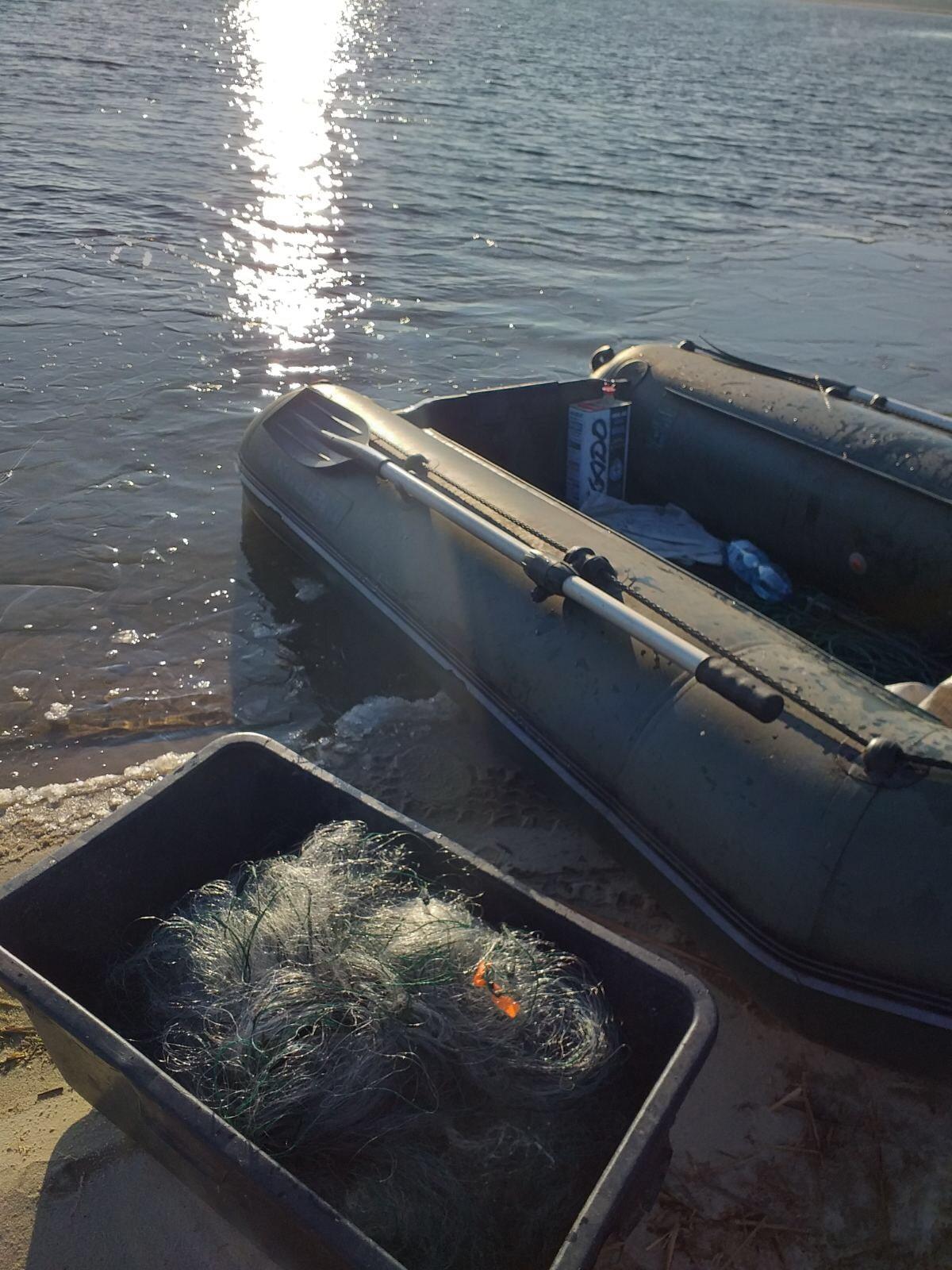 На Волині незаконно виловлювали рибу сітками