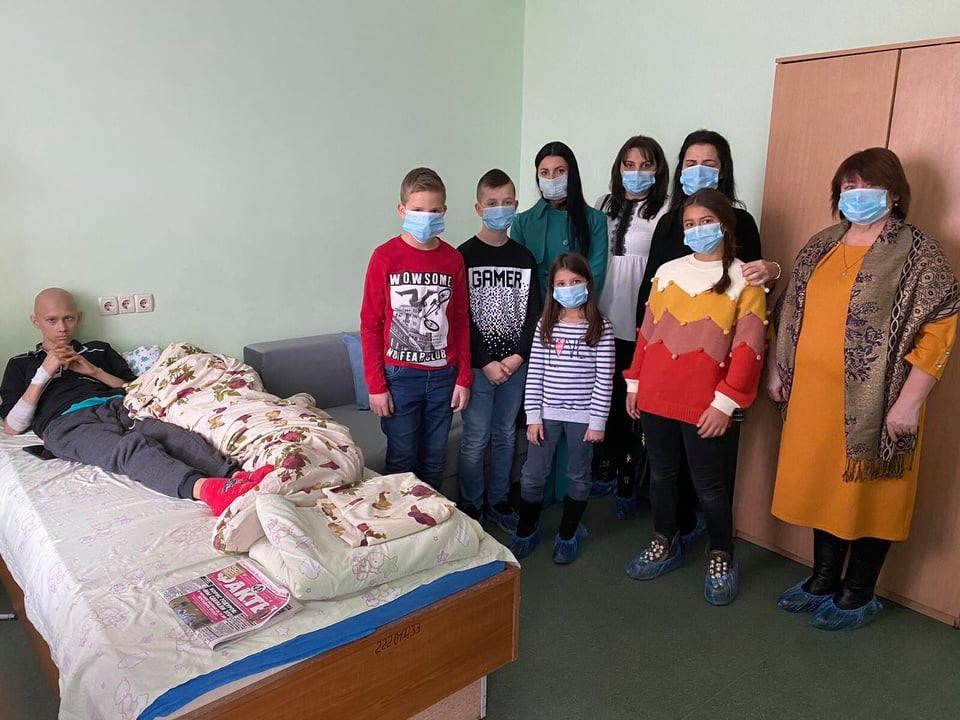 Волинські школярі зібрали допомогу для онкохворих дітей
