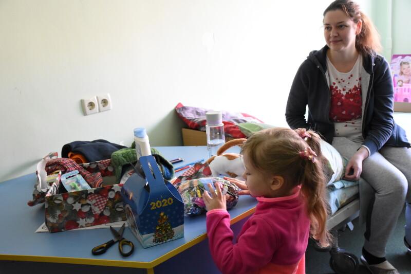 У Луцьку онкохворих дітей привітали із різдвяними святами