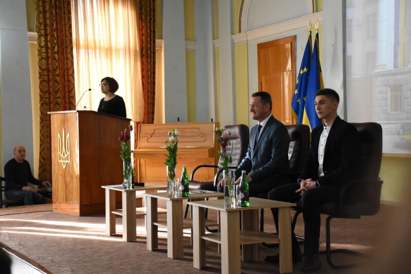 Новий ректор Східноєвропейського національного університету урочисто заступив на посаду