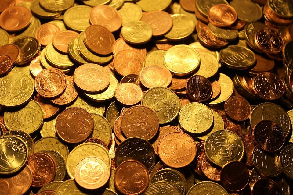 Судитимуть лучанина, який намагався переправити у Польщу старовинні монети