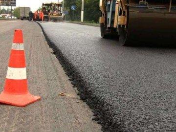 На Волині просять відремонтувати відрізок дороги