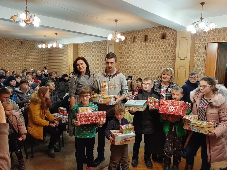 У Луцьку 88 дітей з особливими потребами отримали подарунки від благодійників