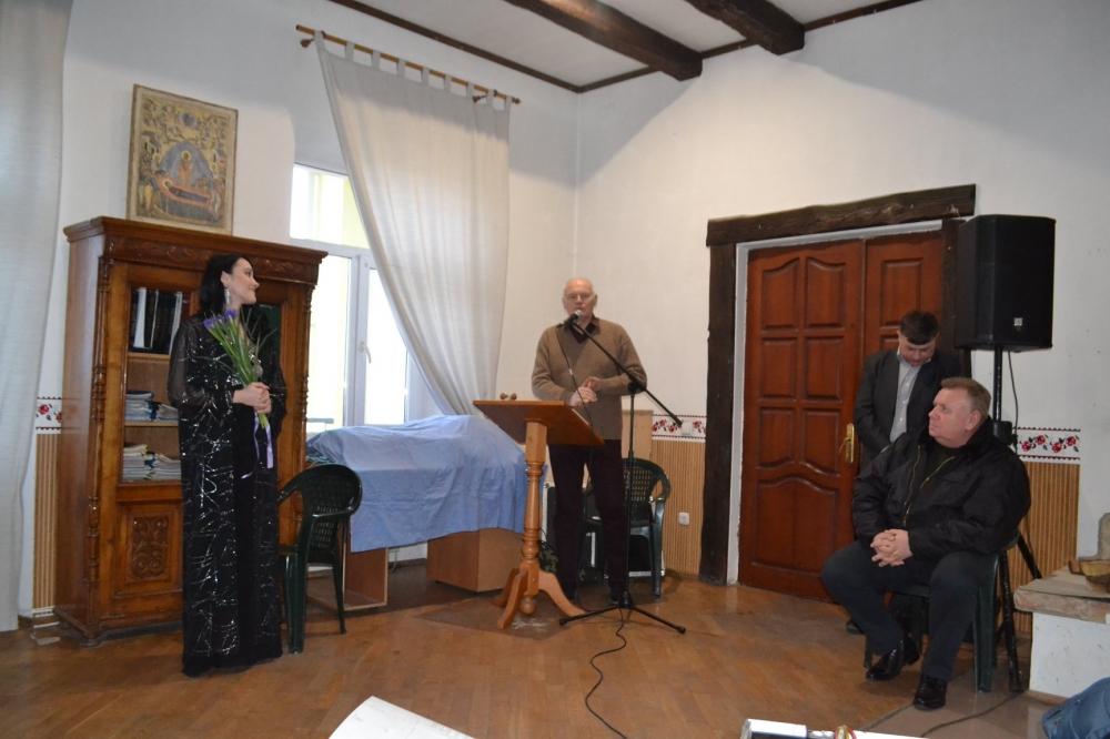 У чоловічому монастирі на Волині співали українську поезію