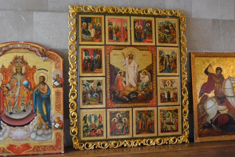 У Волиньраді презентували виставку ікон художниці з Дніпра