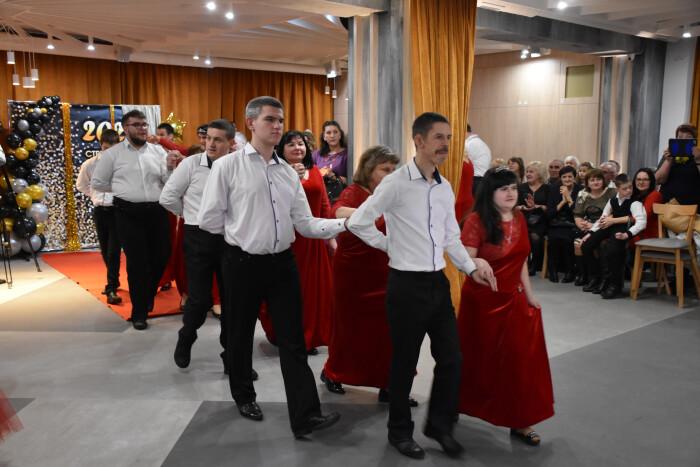 У Луцьку відбувся «Стрітенський бал» за участю людей з обмеженими можливостями