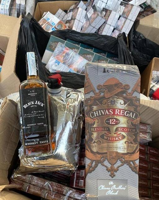 На Волині вилучили цигарки та елітний алкоголь на суму близько одного мільйона гривень