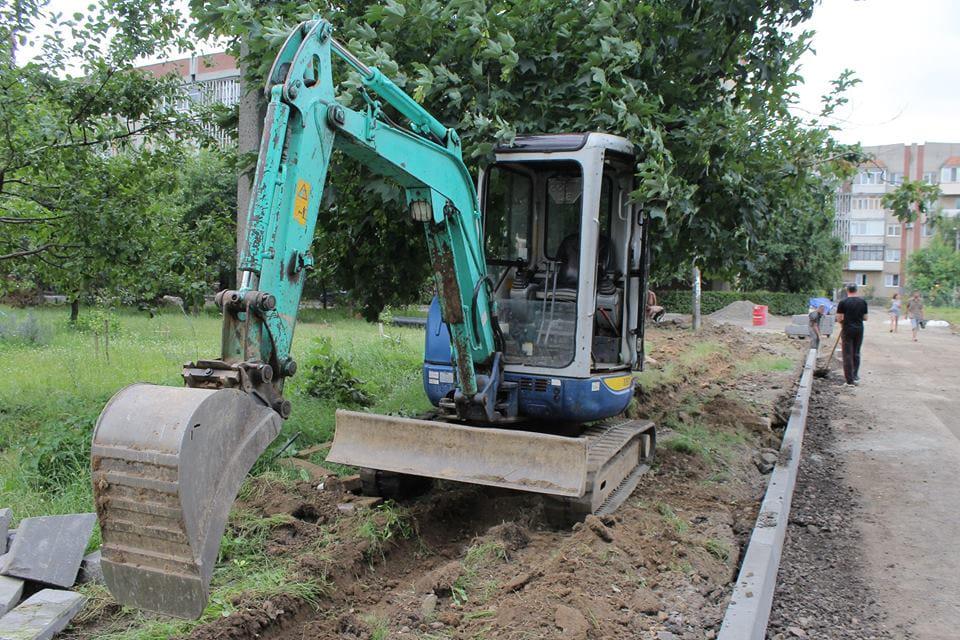 Кому муніципали у Луцьку надали дозвіл на земляні роботи