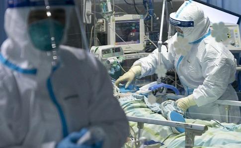 За день від коронавірусу у Китаї померли понад 250 осіб