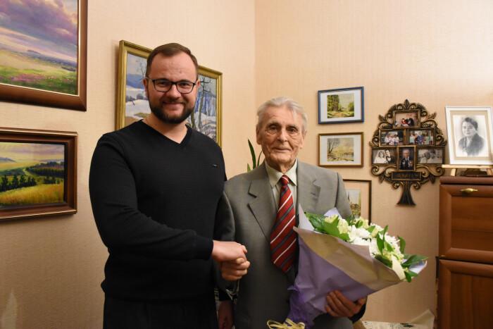 У Луцьку ветеран відсвяткував своє 93-річчя