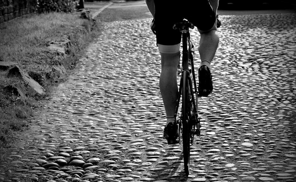 Лучани обурюються їздою велосипедами по вулиці Лесі Українки