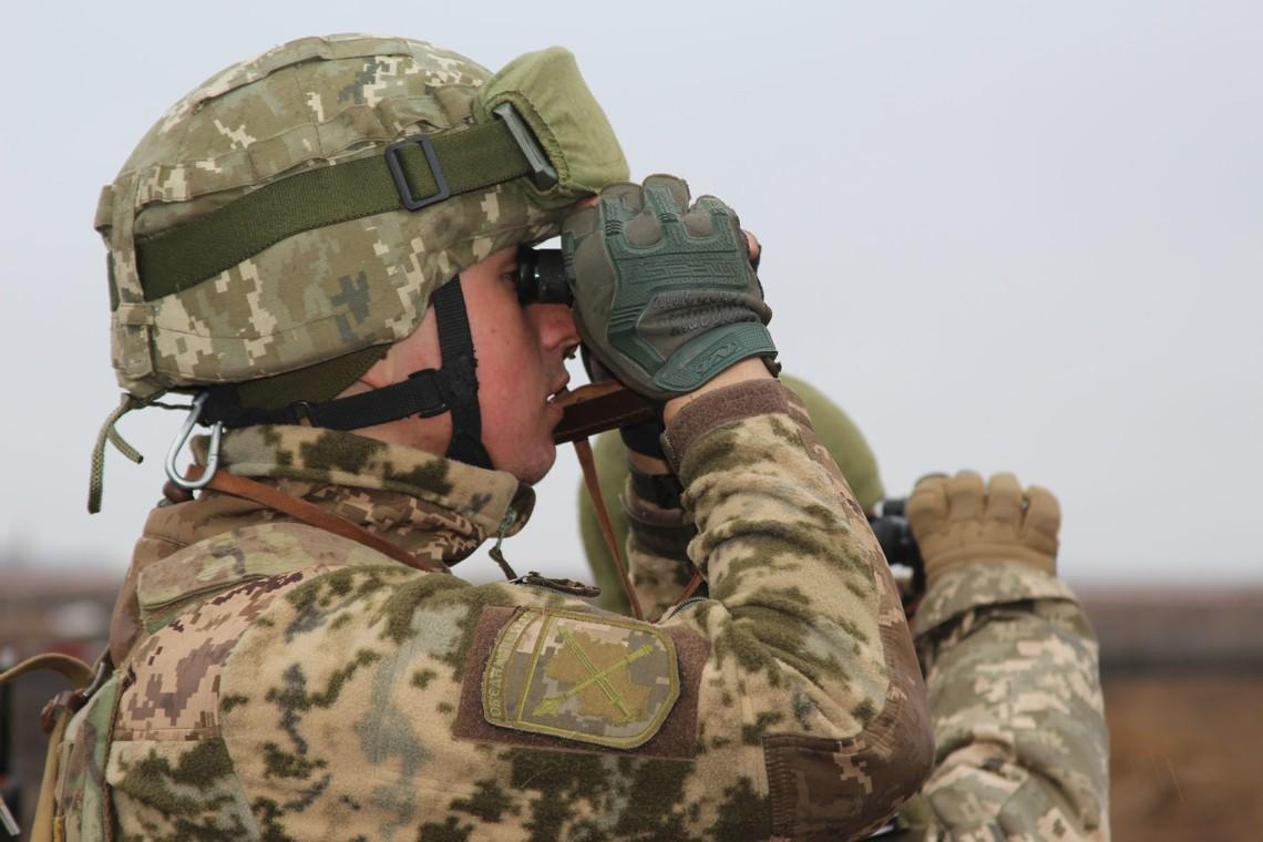 Бойовики влучили у вантажівку військових: один загинув, трьох поранено