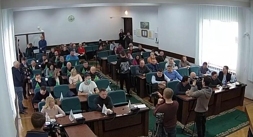 Депутатів Луцькради насварили за легковажність під час епідемії