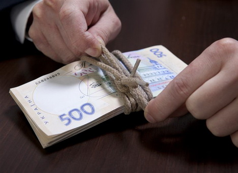 Директора волинського підприємства судитимуть за зловживання на ремонті покрівлі дитсадка