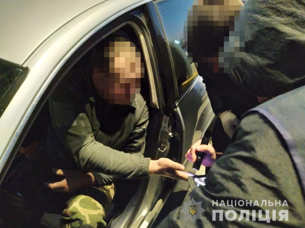 На Волині поліцейські затримали на хабарі посадовця Держеконагляду