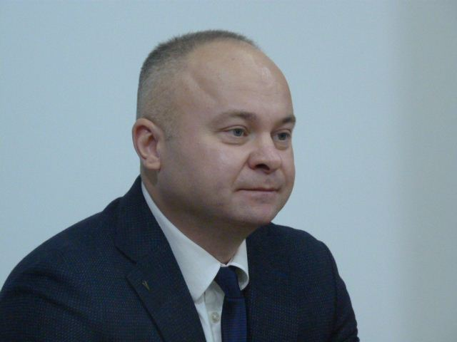 Авто дружини, нерухомість і понад 600 тисяч зарплати: декларація голови Луцького міськрайонного суду