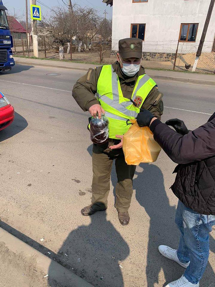 У Луцьку організували харчування чергових на КПП