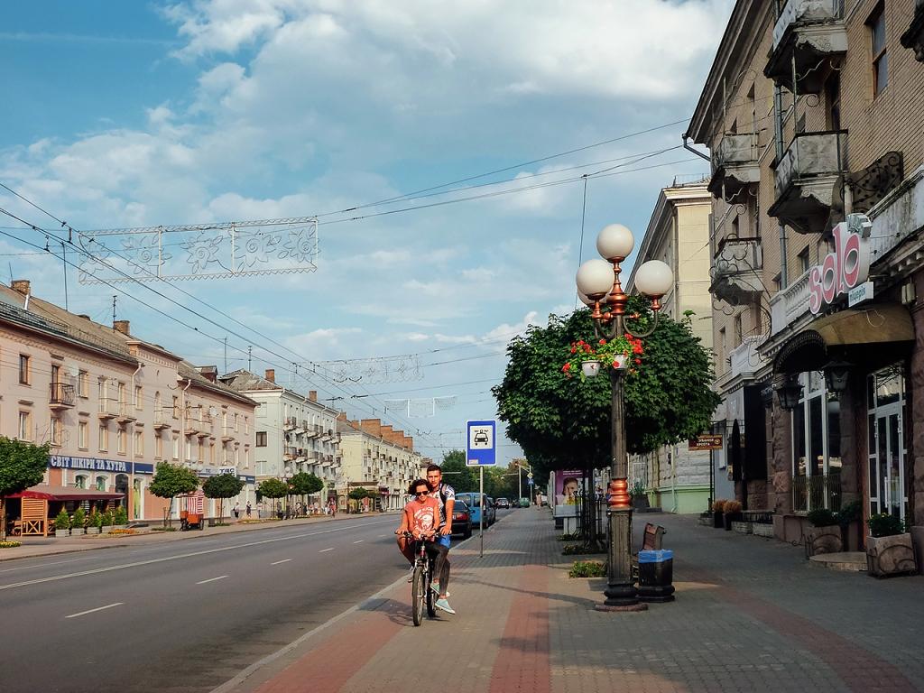 Проспект в ганебному стані: яким буде капремонт у центрі Луцька