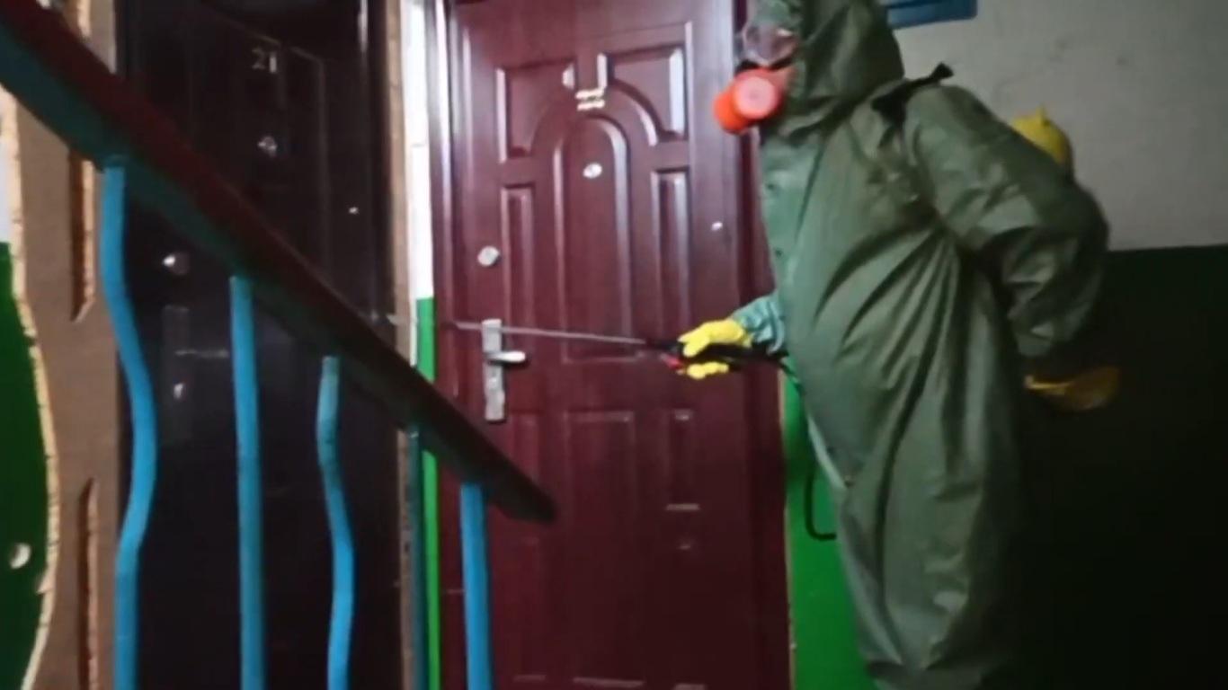 Волинські рятувальники продовжують дезінфекцію будинків на Волині. ВІДЕО