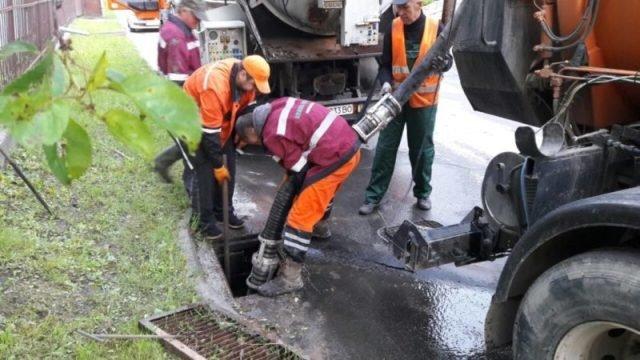 У Луцьку витратять понад два мільйони на чищення каналізаційних колекторів