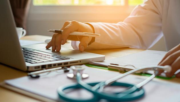 Е-лікарняних в Україні досі немає через технічні проблеми