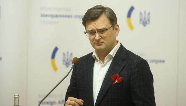 Міністр заявив, що Україна не сприятиме виїзду заробітчан на роботу до інших країн