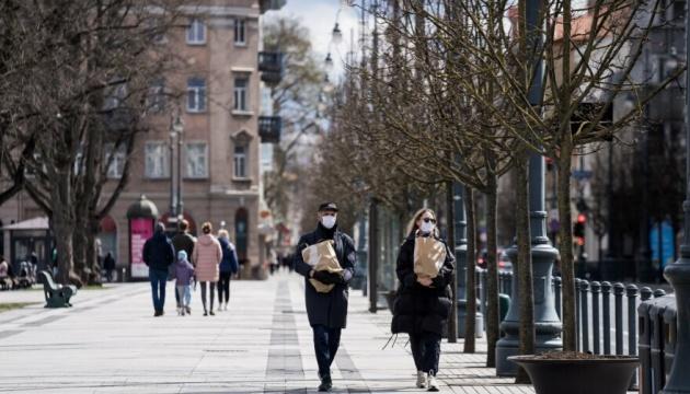 Дозвілля просто неба, відкриття ринків і менше масок: Литва пом'якшує карантин
