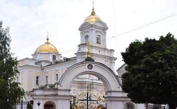 У Волинській ОДА закликають волинян утриматися від масових скупчень у церквах