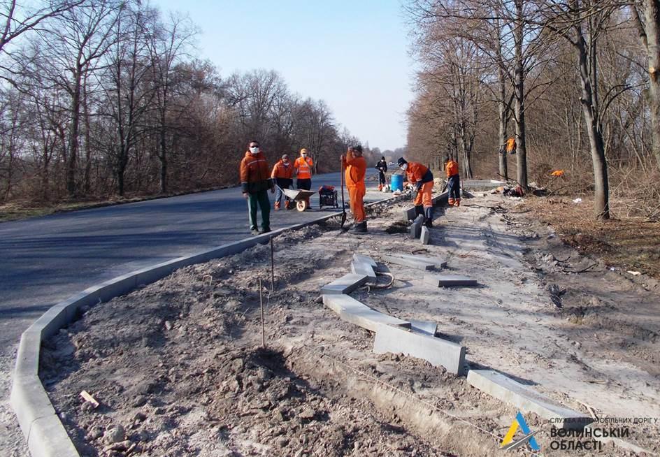 На Волині ремонтують відрізок міжнародного автошляху
