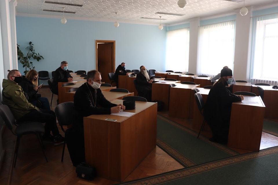 У Володимирі-Волинському великодні кошики освячуватимуть у домівках та на виробництвах