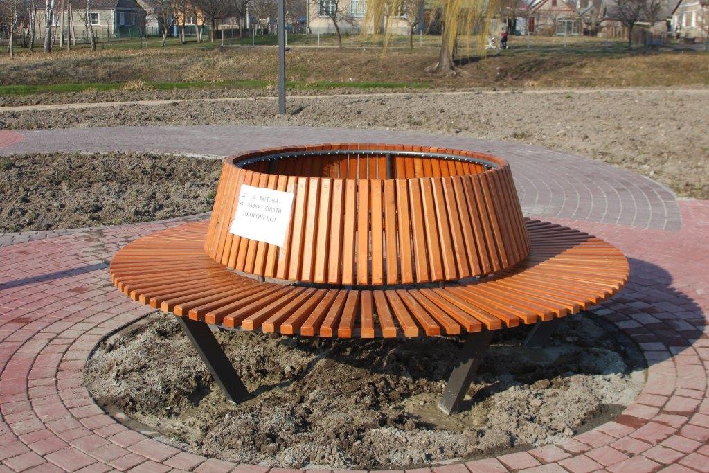 У Володимирі-Волинському встановлять нові лавки в рамках облаштування рекреаційної зони