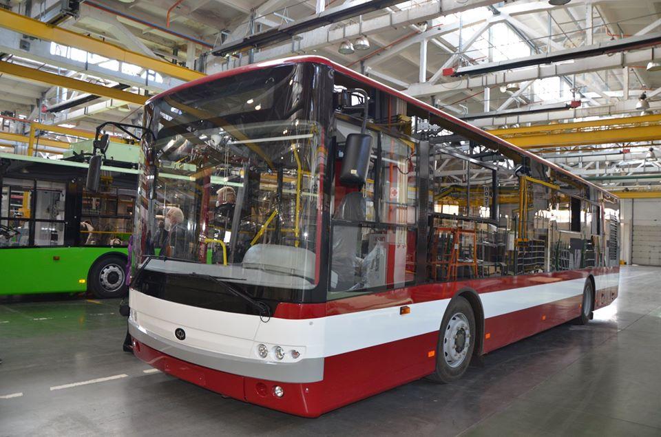 У Луцьку підписали контракт про постачання місту нових тролейбусів