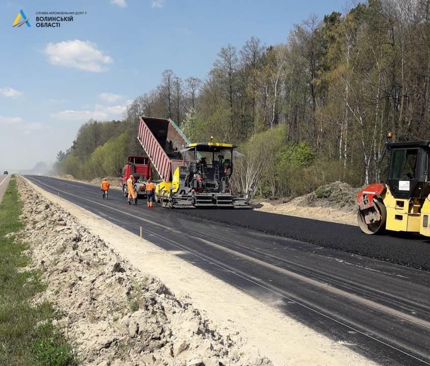 На Волині триває реконструкція міжнародного автошляху