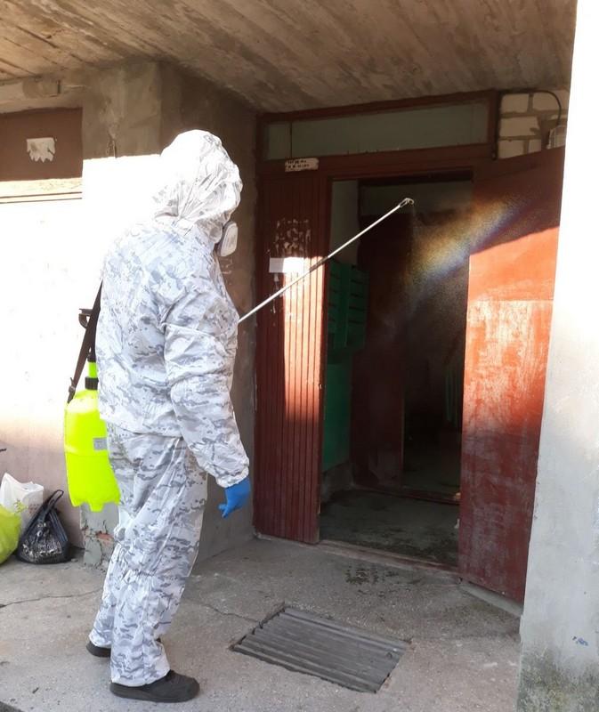 У Ковелі здійснюють дезінфекцію під'їздів у багатоповерхівках